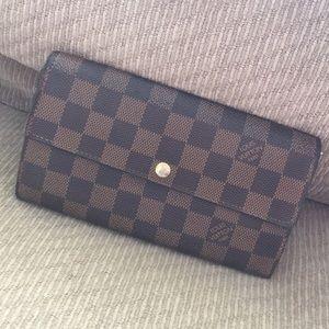 LV damier ebene wallet